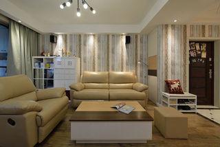 简约北欧风情客厅竖条纹沙发背景墙设计