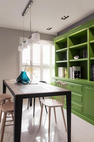 时尚复古宜家风餐厅绿色展示柜设计