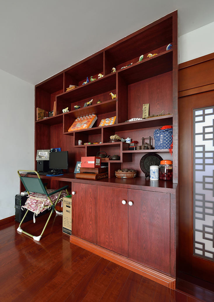 现代中式混搭书房红木博古架设计