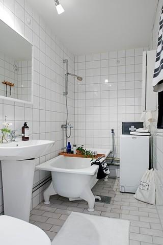 纯白色北欧风格马赛克浴室设计