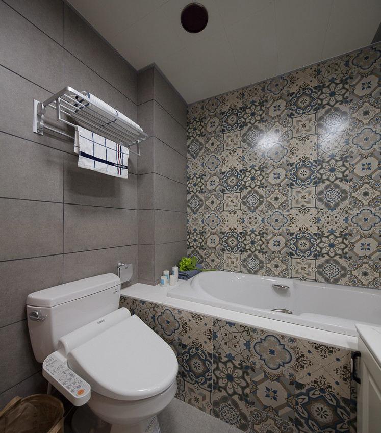 精致美式新古典花纹浴室背景墙装饰