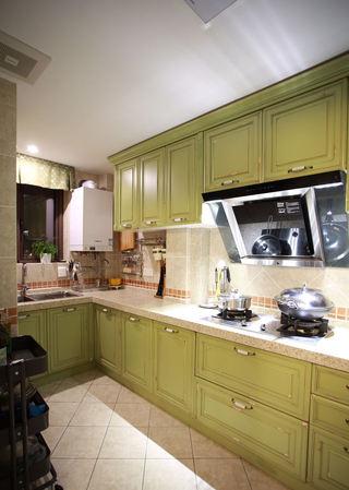 美式田园厨房橱柜装饰图