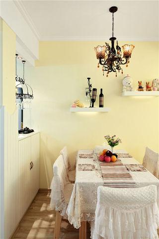 清新浅黄色简约北欧田园风格餐厅设计