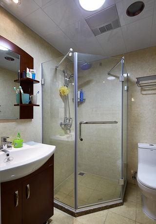 简约新中式卫生间玻璃淋浴房设计
