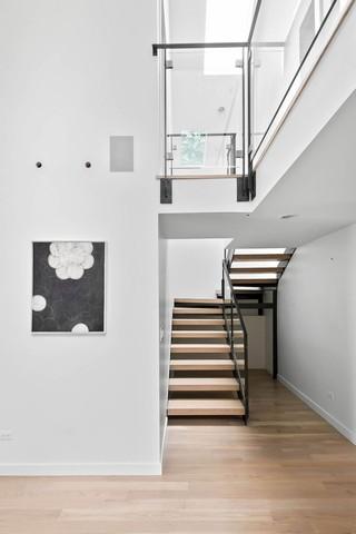浪漫纯色简约复式实木楼梯欣赏大全