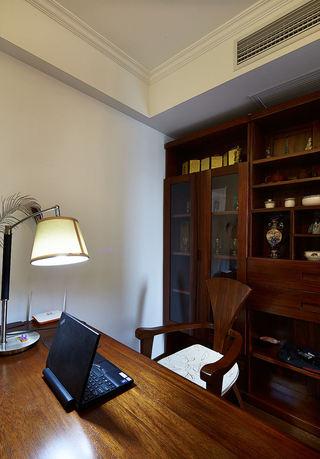新中式书房实木博古架设计