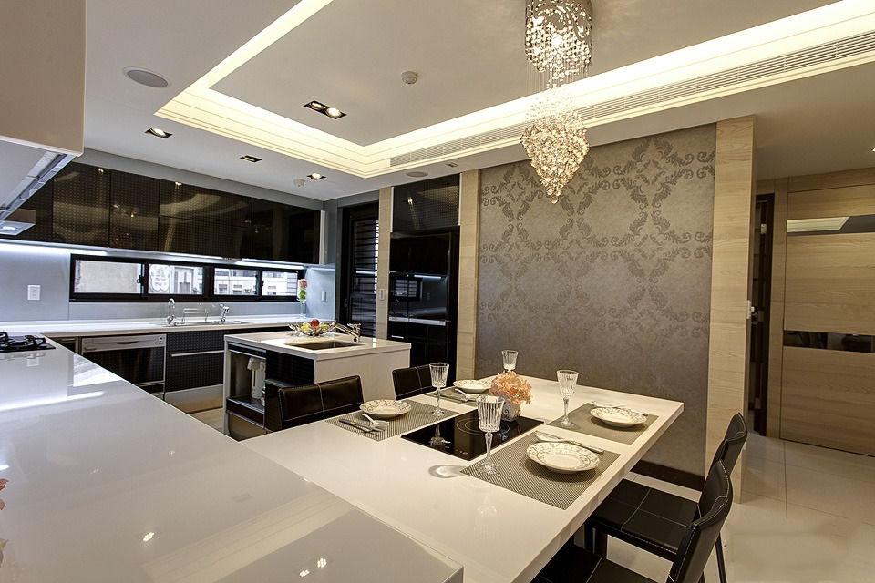 黑白时尚简约餐厅吊灯装饰效果图