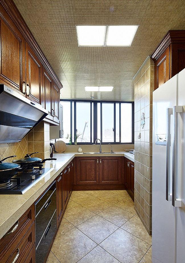 復古美式風格廚房U型實木櫥柜效果圖
