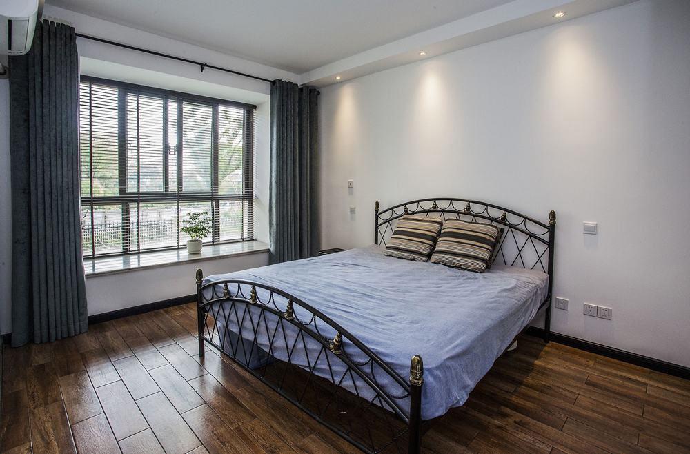 浪漫清新复古简约风卧室带飘窗设计