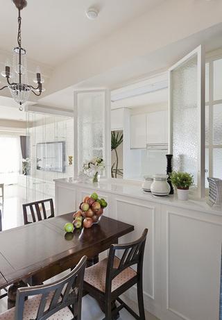 简约法式厨房餐厅窗户隔断设计