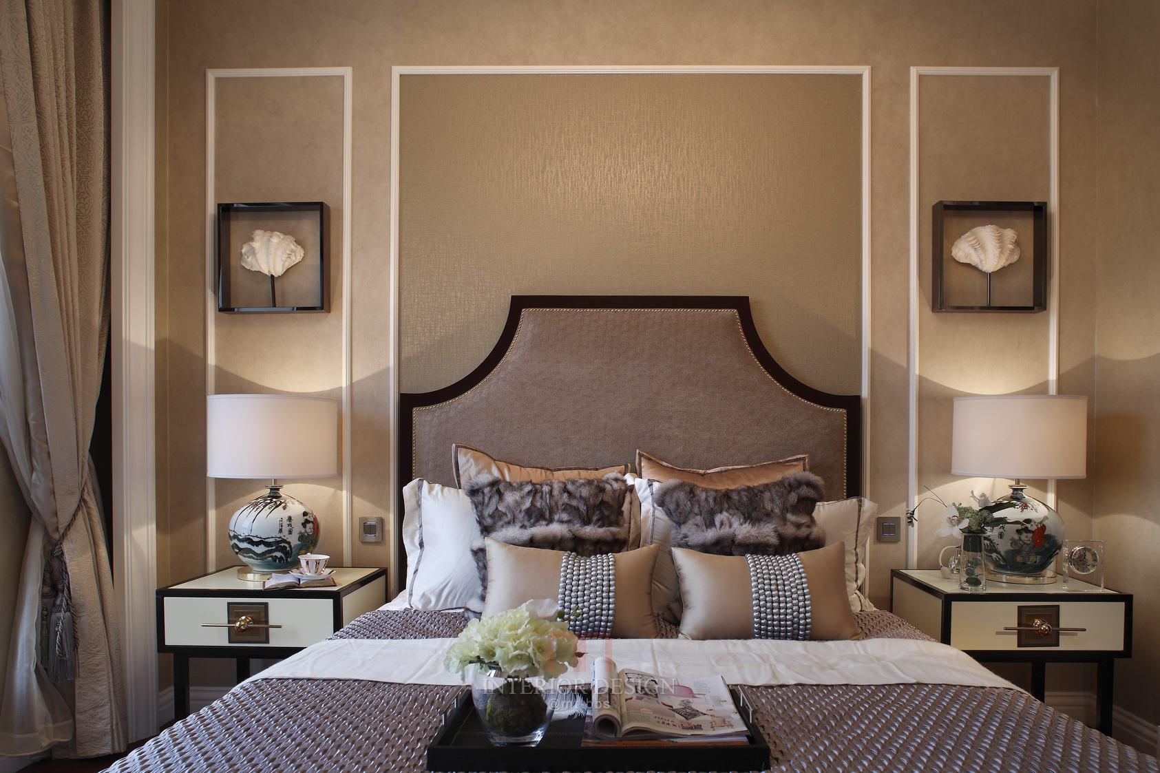 柔美浪漫美式卧室床头背景墙设计