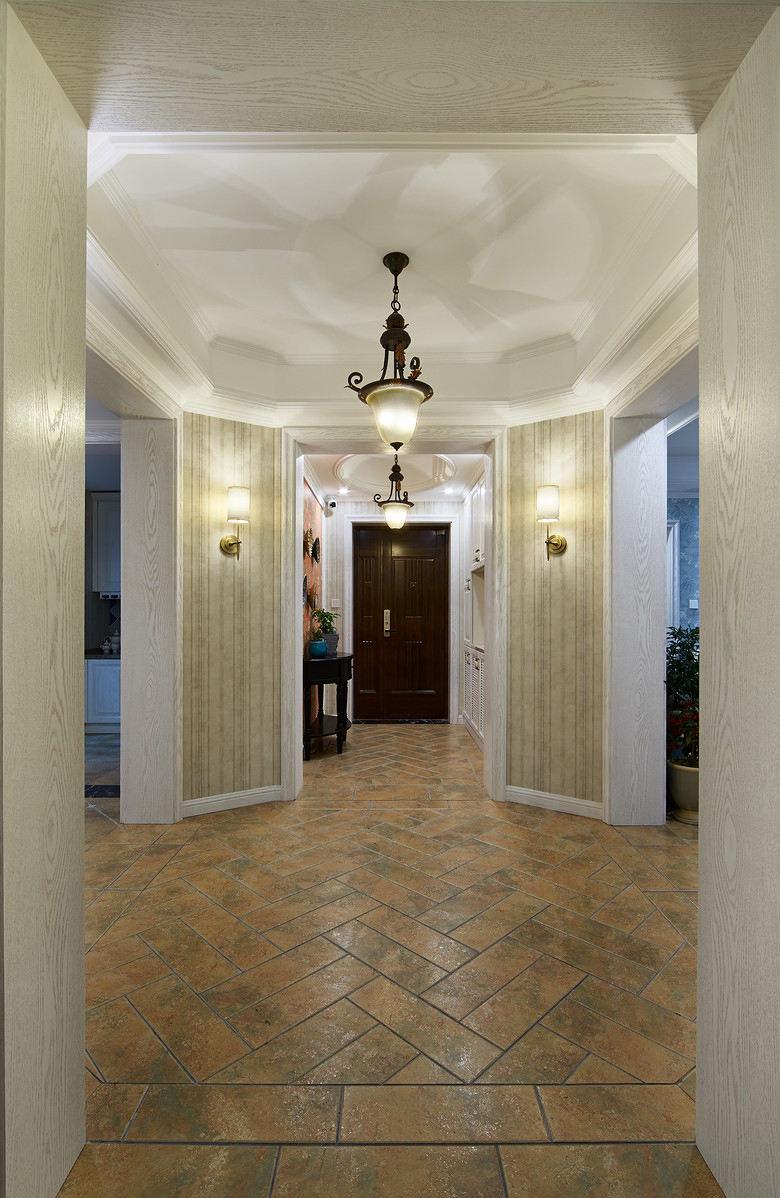 温馨复古欧式别墅室内大厅过道设计