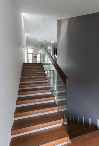 简约时尚现代别墅楼梯设计