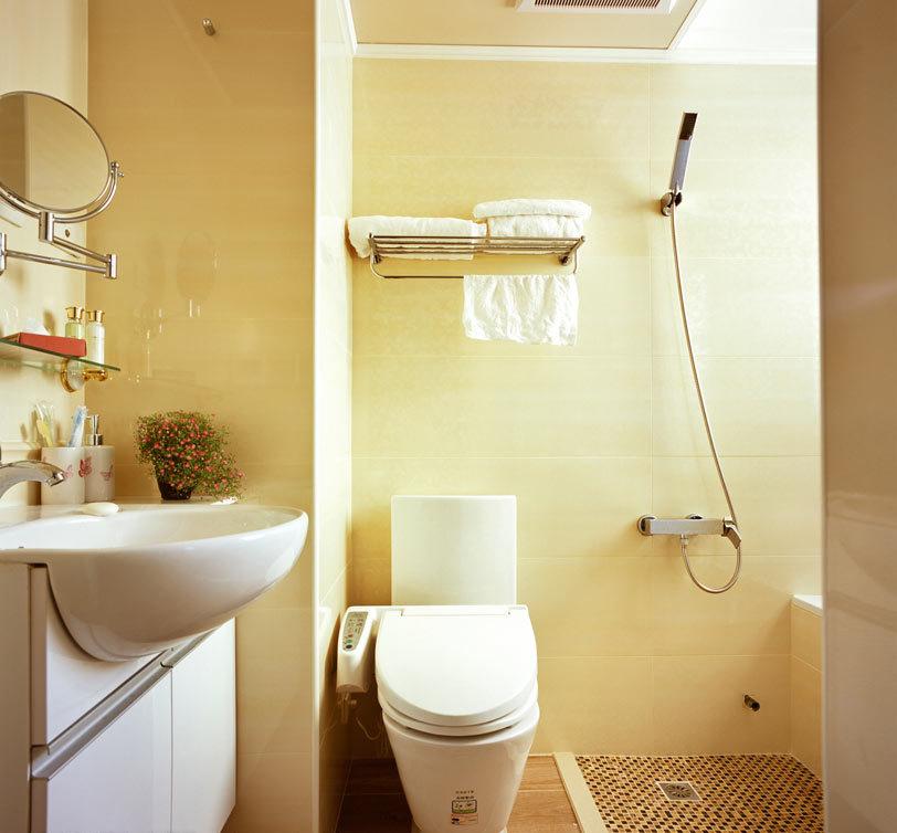 美式风格三室一厅卫生间设计效果图