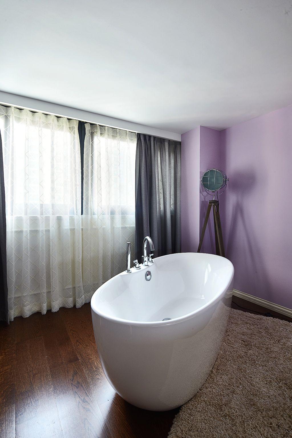 精美浪漫美式卫生间椭圆浴缸设计