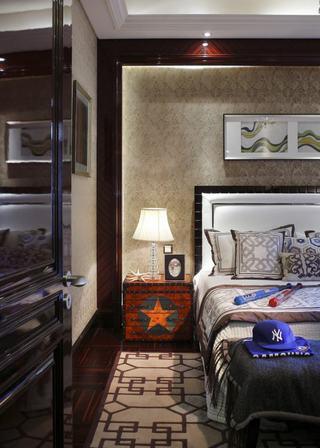 复古欧式混搭卧室背景墙装饰