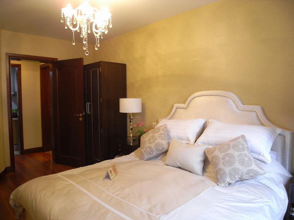 简约现代卧室红木门装饰