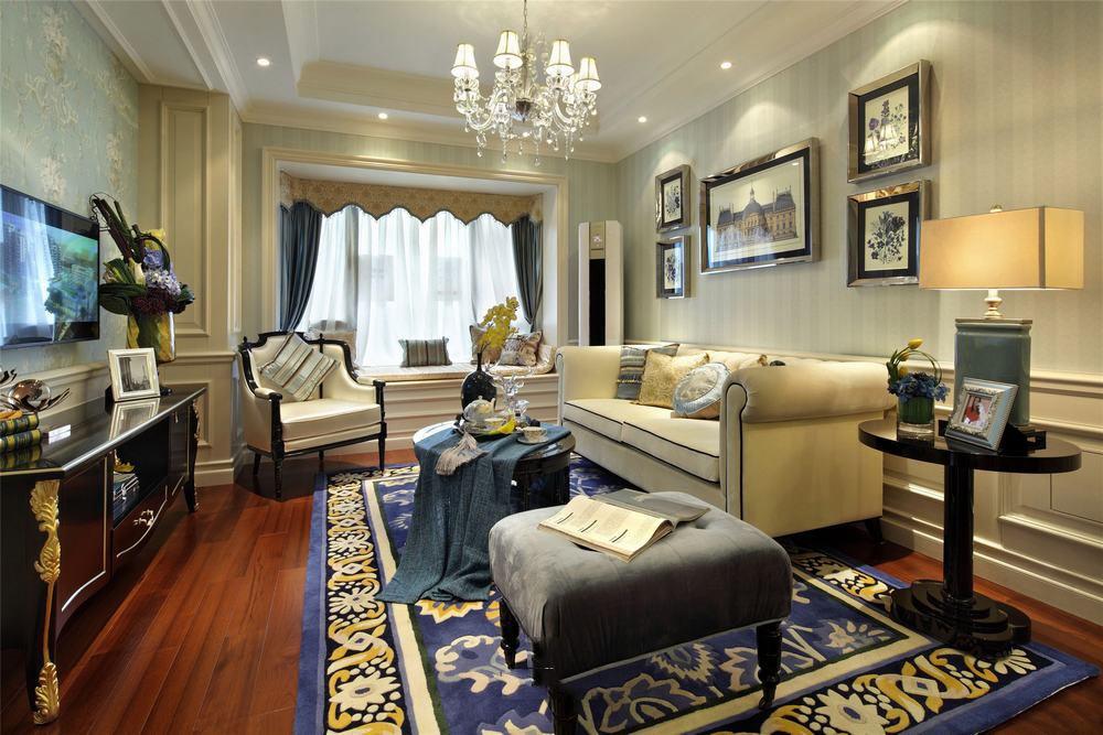 美式家装客厅飘窗设计