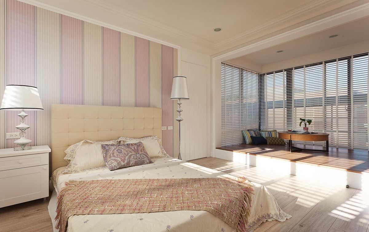 甜美简美式风格卧室带休闲阳台装饰