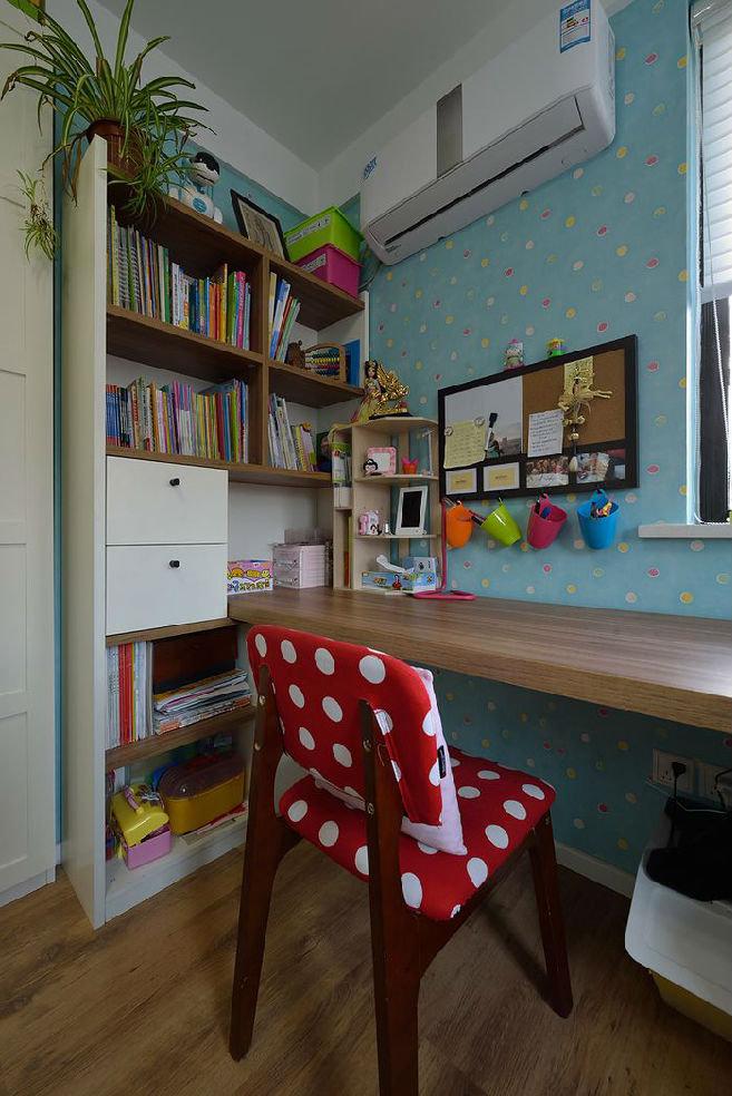 清新唯美可爱现代儿童书房装修美图