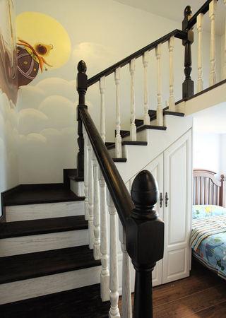 复古美式复式实木楼梯设计
