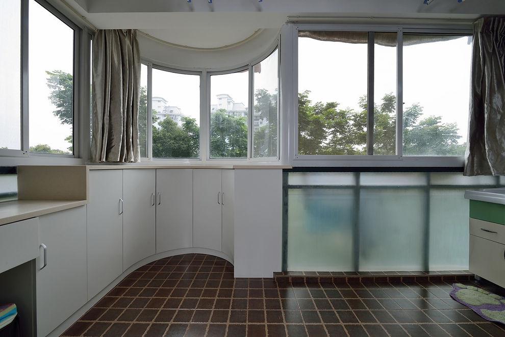浪漫现代风不规则封闭式阳台装潢