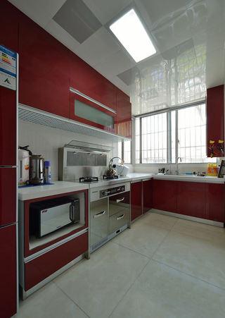 时尚现代风厨房红色橱柜设计