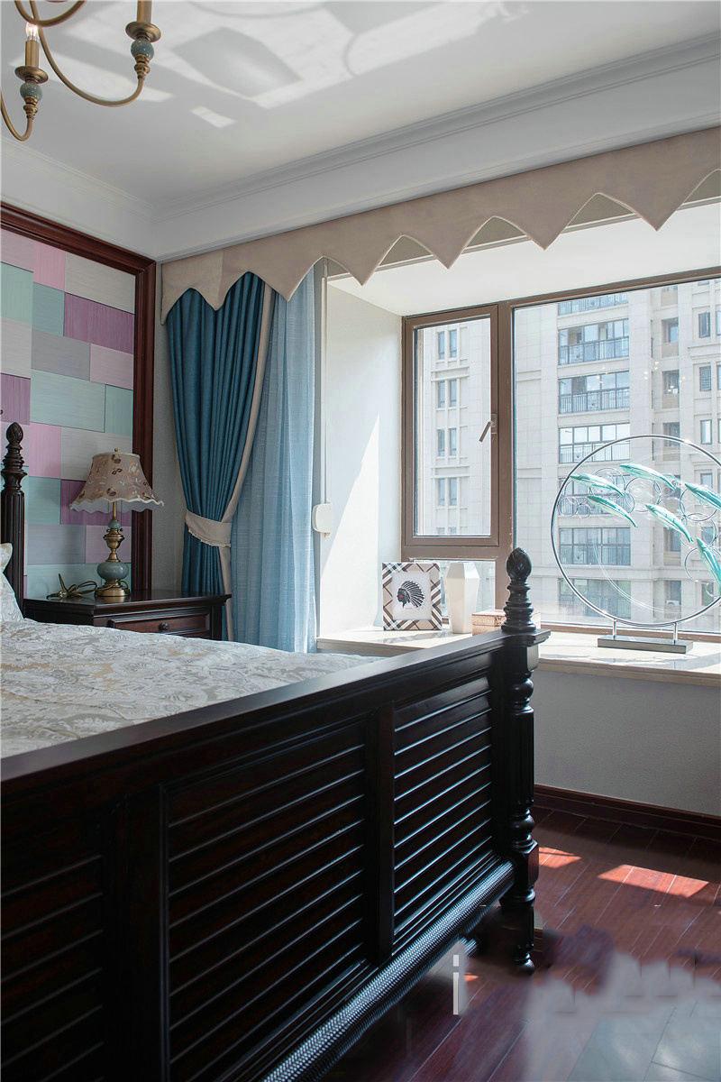 浪漫地中海田园设计卧室飘窗窗帘效果图