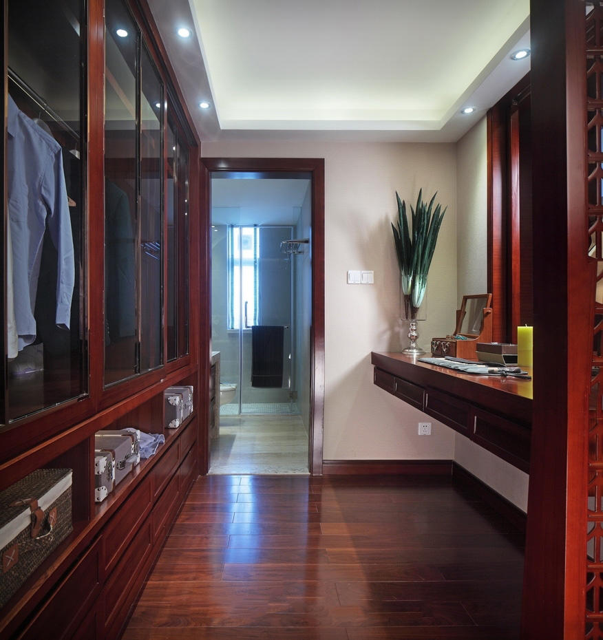 家居化妆衣帽间东南亚风格红木装饰效果图