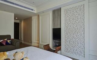 简约现代风卧室雕花衣柜隔断欣赏