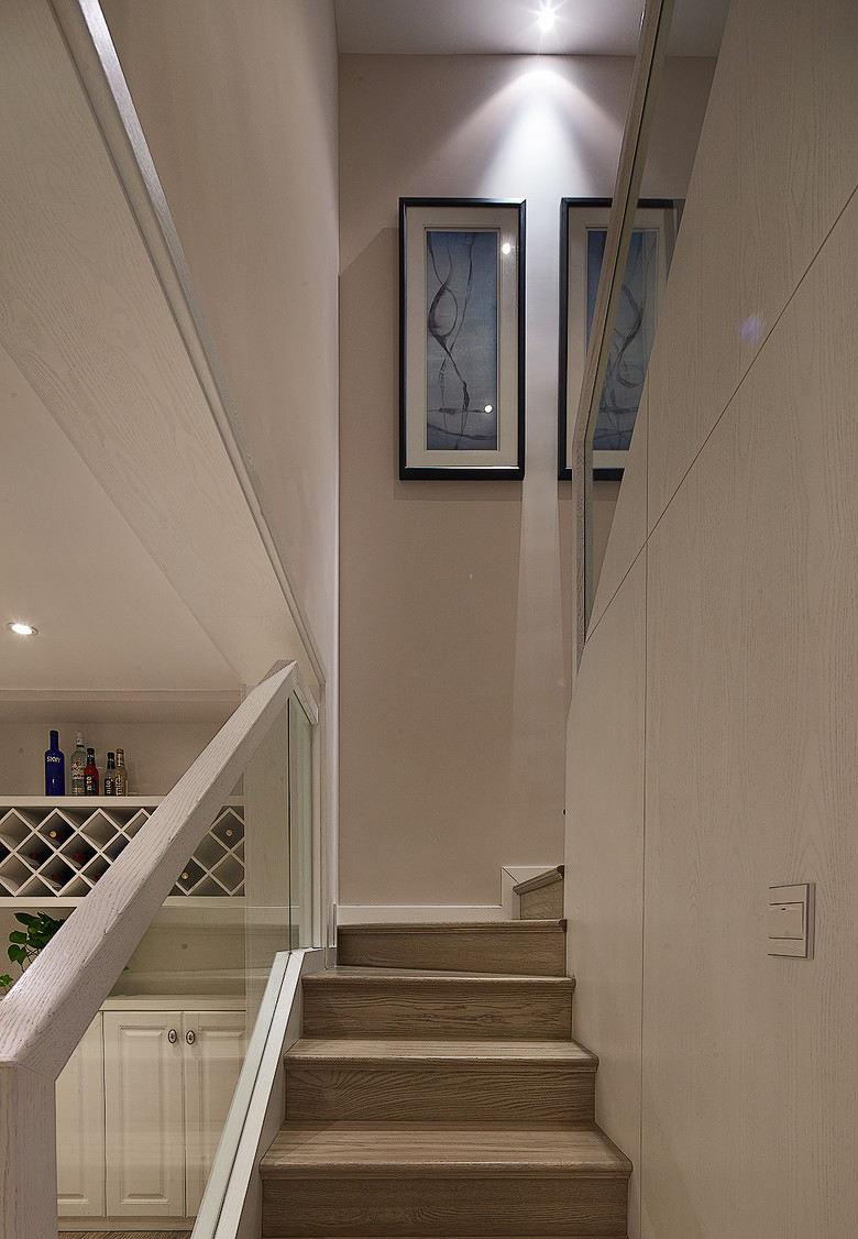 浪漫现代简约复式楼梯装饰画效果图
