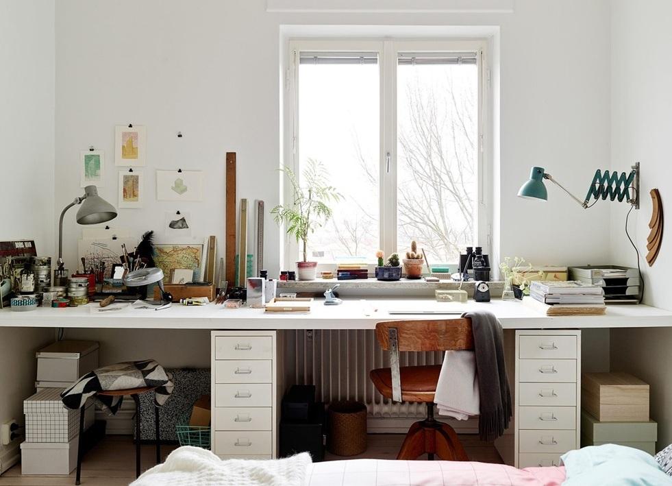 宜家北欧风格窗台书桌装饰效果图