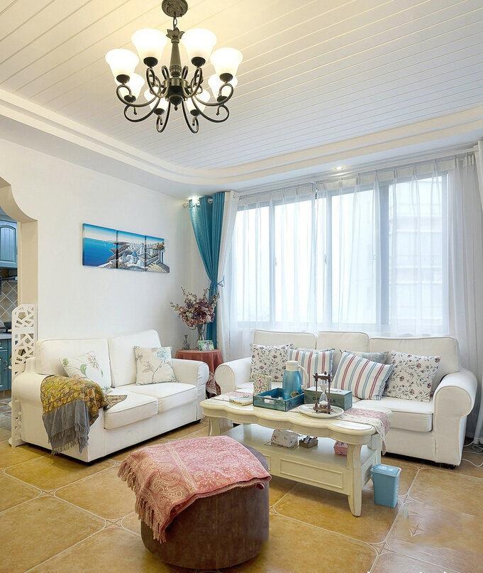 清新地中海风格客厅窗帘装饰图