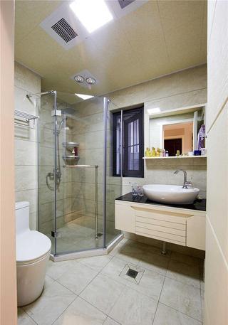 现代简欧装饰风格卫生间淋浴房设计