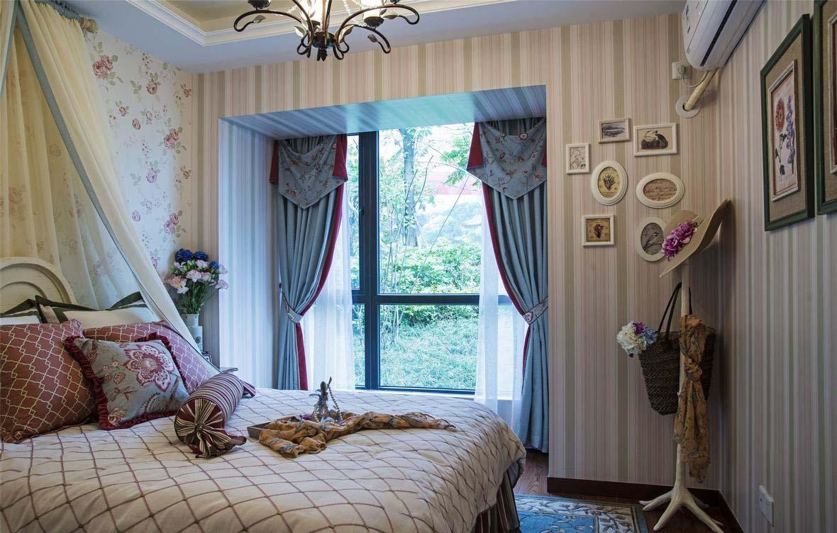 精美美式田园风格卧室窗帘搭配图