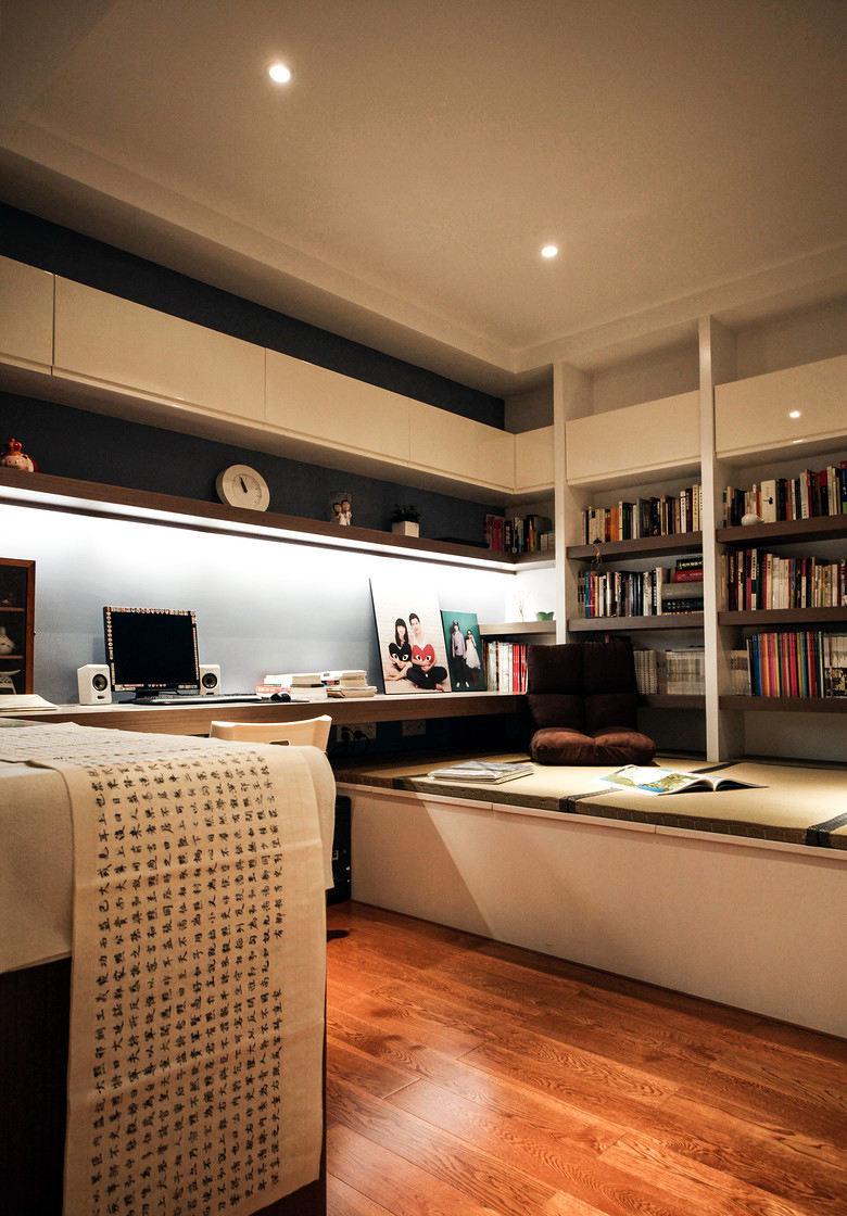 现代简约书房装修案例图