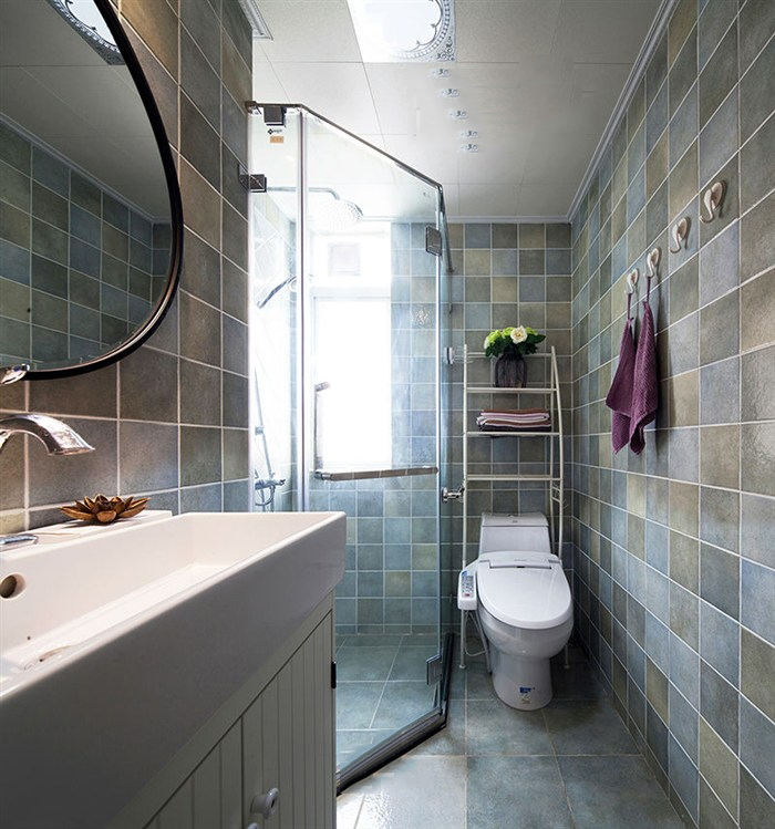 时尚现代美式装修卫生间带淋浴房装饰
