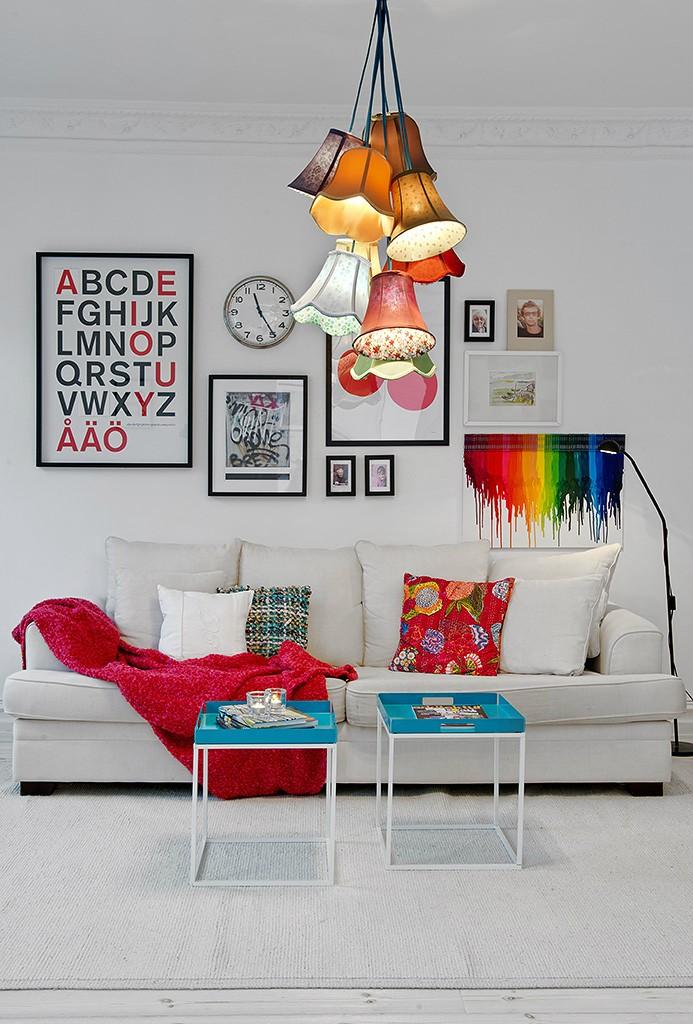 清新北欧风情客厅沙发相片墙设计