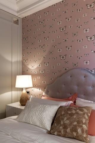 现代时尚卧室蝴蝶花壁纸装饰效果图