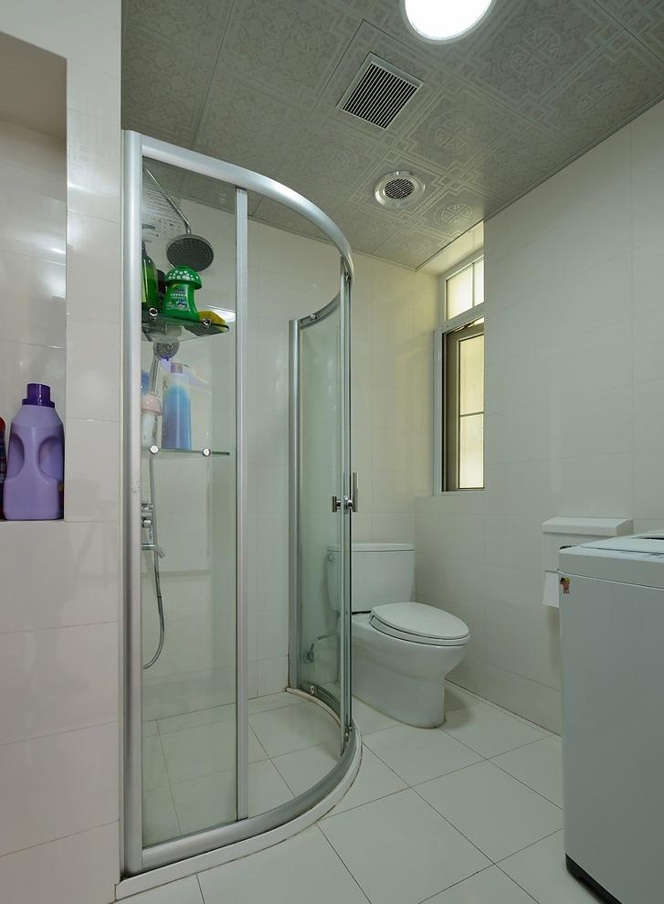 时尚现代简约卫生间弧形淋浴房设计
