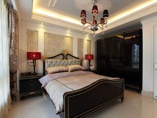 华贵简欧新古典卧室背景墙布置