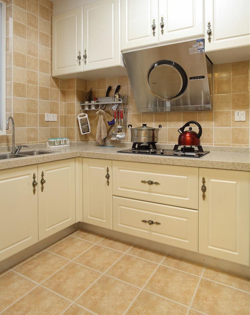 简约美式风格厨房橱柜装饰图