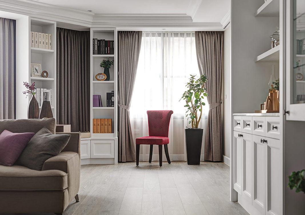 欧式装修风格三居室内窗帘装饰效果图
