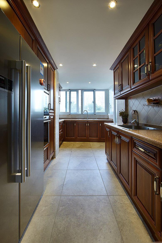 高端大氣東南亞家裝廚房實木櫥柜欣賞大全