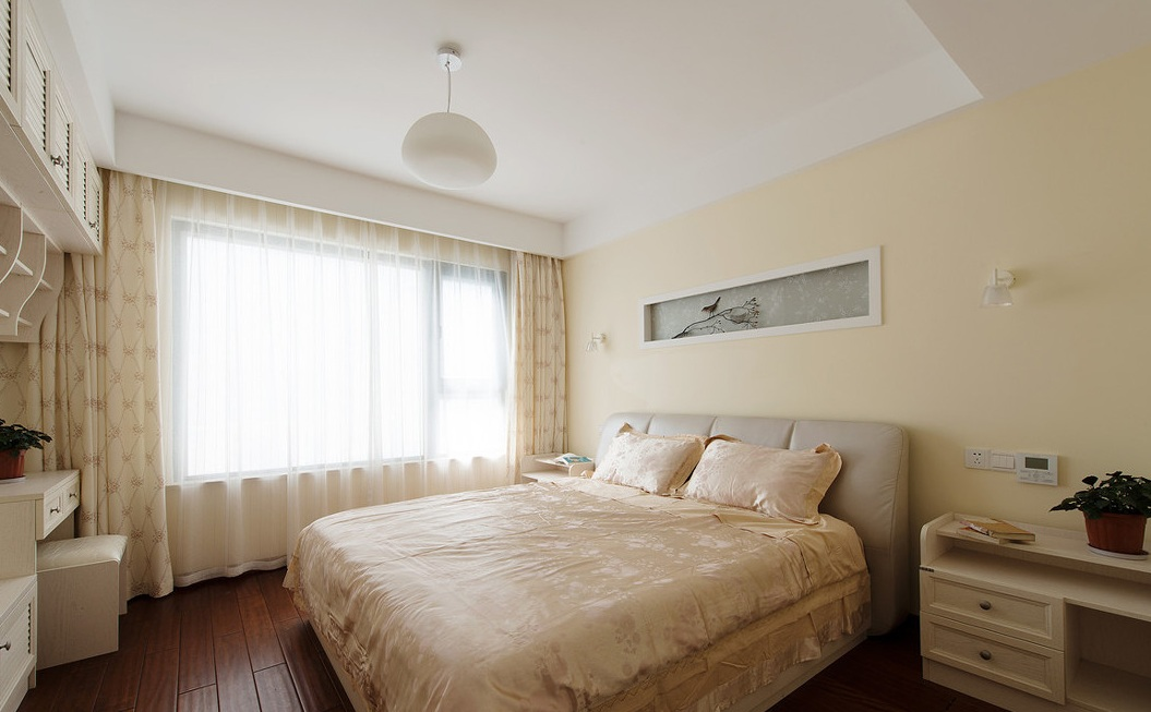 米白色温馨简约卧室装潢效果图