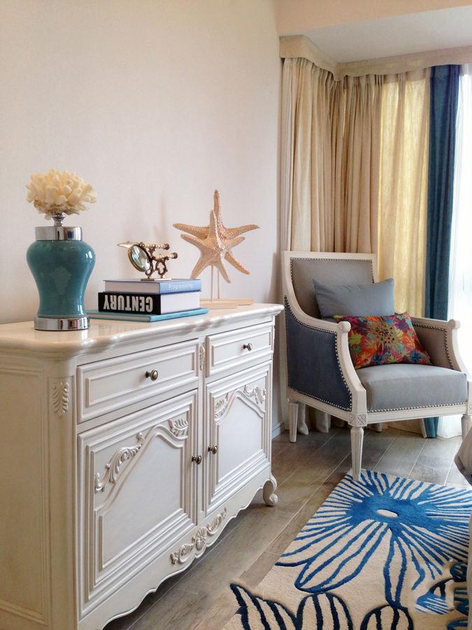 地中海设计装修风格家居室内白色柜子放置图
