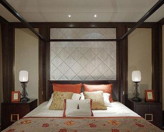 优雅新中式家居卧室床头软包设计
