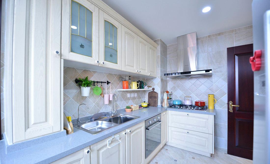 美式装修风格厨房台面装饰效果图