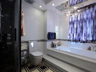 浪漫简欧新古典卫生间紫色浴缸窗帘设计