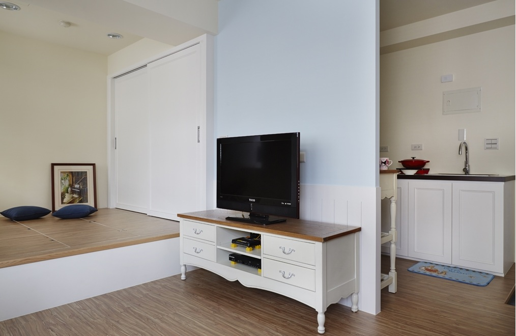 清新简约宜家风格一居室电视背景墙装饰
